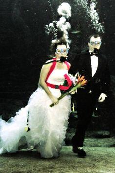 Underwater wedding /