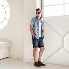短袖牛仔恤衫襯白色tee,換埋牛仔短褲,戴起太陽眼鏡,為初夏嘅來臨做好準備!#LeeSS14