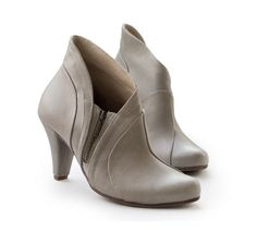 Sale 30% off Stone Gray Booties. Women heels by LieblingShoes
