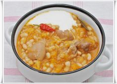 Babos toros Chana Masala, Cheeseburger Chowder, Vegetables, Ethnic Recipes, Food, Drinks, Recipe, Drinking, Beverages