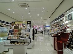 Galerie de beaute brand shop interior design, in Athens   River west   Interior Designer   iidsk Kyriakos Serefoglou