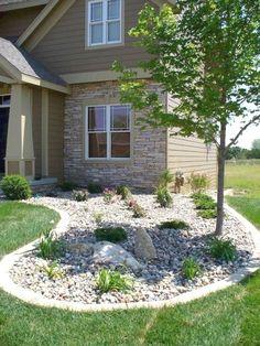 Simple Low Maintenance Front Yard Landscaping Ideas (14) #LandscapingFrontYard