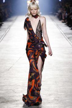 Versace ready-to-wear spring/summer '16 - Vogue Australia