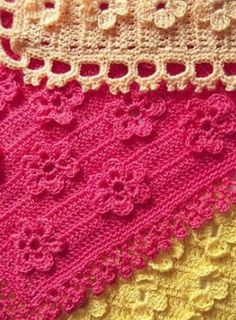 Flowers within - these are not applique, but an integral part of the pattern, worked as you crochet along. Clear instructions... ༺✿ƬⱤღ http://www.pinterest.com/teretegui/✿༻