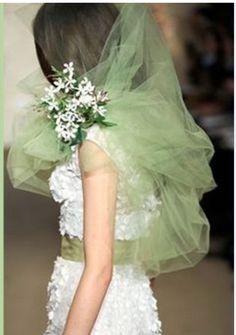 A mint green tulle veil from Oscar de la Renta, Spring 2012 Wedding Trends, Wedding Designs, Wedding Styles, Blue And Green, Shades Of Green, Mint Green, Spring Green, Spring Colors, 50 Shades