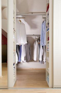 Schiebestangen Loft Closet, Attic Loft, O Design, Interior Design, Double Wardrobe, Home Organization, Ikea, How To Plan, Bedroom