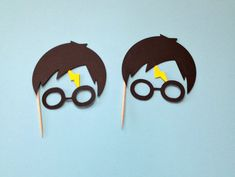 These charming cupcake toppers will be the perfect touch to your wizard or Harry Potter party! This listing includes 12 total cupcake toppers Im happy to make these in your party colors. If youd like custom colors, please leave a note for me at checkout letting me know what colors youd
