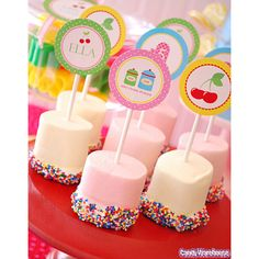 Marshmallows would make cute place card holders...