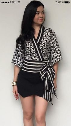 Proportions of print to solid Batik Fashion, Ethnic Fashion, Hijab Fashion, African Fashion, Fashion Outfits, Emo Outfits, Emo Fashion, Batik Kebaya, Batik Dress