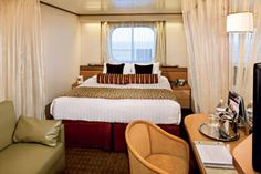 Category C, D, DA, DD, E, EE, F, FF, G, H, HH (Large Oceanview Stateroom) 2 lower beds convertible to 1 queen-size bed, bathtub & shower. (Approximately 140–319 sq. ft.) Note: Category G staterooms have portholes instead of windows.