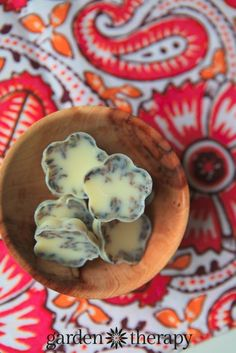 I want to eat these! Or at least have a bath right now!! Moisturizing bath melts recipe made with lavender, coconut oil, and cocoa butter.