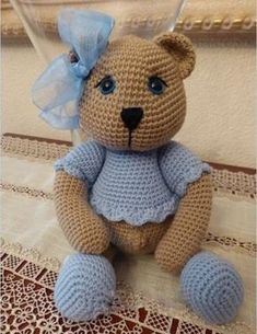 PATTERN: Teddy Collection Amigurumi Pattern in English and Spanish Crochet Toys Patterns, Amigurumi Patterns, Stuffed Toys Patterns, Crochet Bear, Crochet Animals, Crochet Dolls, Amigurumi Toys, Baby Knitting, Crochet Projects