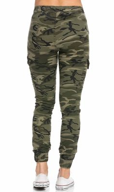 Drawstring Camouflage Cargo Jogger Pants (Plus Sizes Available) Jogging, Jogger Pants Outfit, Army Usa, Camouflage Jeans, Denim Flares, Jeans Brands, Distressed Skinny Jeans, Dark Denim, Cute Outfits