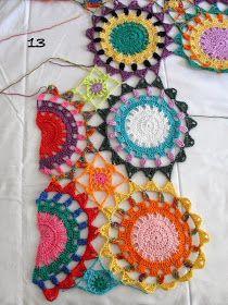 Boho Crochet Patterns, Crochet Mandala Pattern, Crochet Motifs, Granny Square Crochet Pattern, Crochet Designs, Crochet Stitches, Knitting Patterns, Pull Crochet, Crochet Jumper