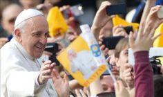 El papa lavará los pies de doce ancianos y discapacitados el Jueves Santo
