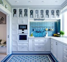 Голубой и синий цвет в интерьере кухни