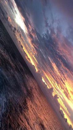 Beautiful Nature Scenes, Beautiful Nature Wallpaper, Beautiful Landscapes, Sky Aesthetic, Aesthetic Movies, Aesthetic Pictures, Orange Aesthetic, Aesthetic Videos, Aesthetic Backgrounds