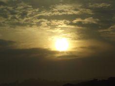 Tudo o que revela o amor. Nascer do sol em São Paulo.