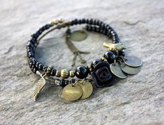 Bracelet bohème perles noires et bronze double tour (Réf Bm3) : Bracelet par les-3-oranges
