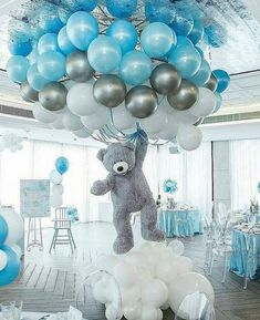 Shower Favors And Prizes Baby shower centerpiece idea - balloons and girant floating bear - so cute!Baby shower centerpiece idea - balloons and girant floating bear - so cute! Deco Baby Shower, Baby Shower Favors, Shower Party, Baby Shower Parties, Baby Shower Blue, Teddy Bear Baby Shower, Baby Shower For Boys, Cloud Baby Shower Theme, Babby Shower Ideas