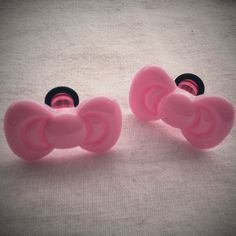 Pink Kitty Bow Plugs Gauges kawaii sweet by Glamsquared, Piercing Ring, Body Piercings, Piercing Tattoo, Body Jewelry, Jewelry Art, Jewlery, Hello Kitty Bow, Pink Acrylics, Tunnels And Plugs