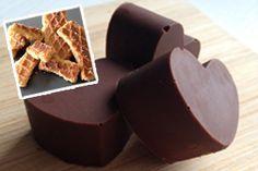 chocolade bonbons met stroopwafelvulling Cakepops, High Tea, Chocolate Recipes, Truffles, Sweet Recipes, Sweet Treats, Candy, Desserts, Food