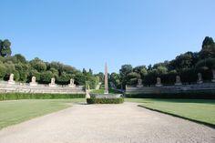 L'obelisco posto al centro della costruzione è arrivato qui nel 1788 per volere di Pietro Leopoldo che lo fece trasferire da Villa Medici (a Roma) a Firenze. Per molto tempo è rimasto l'unico obelisco egizio in Toscana ed era, tra l'altro, uno dei monumenti più antichi di tutta la regione. Risale infatti al 1500 a.C.