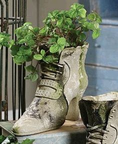 Recycling Old Shoes For Garden Art Great Way To Preserve Those Baby