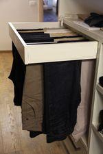 cassetto porta oggetti, cassetto porta pantaloni, appendini, led, attrezzatura per cabina armadio, accessori per cestoni