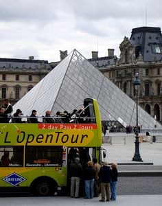 Open top bus tour in paris