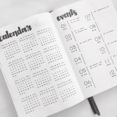 17 Minimalist Bullet Journal Spreads You Must Try Now - Andre . - 17 Minimalist Bullet Journal Spreads You Must Try Now - Andres Valencia - Future Log Bullet Journal, Bullet Journal Year At A Glance, Bullet Journal Simple, Bullet Journal Weekly Spread Layout, Planner Bullet Journal, Bullet Journal Spreads, How To Bullet Journal, Bullet Journal Tracker, Bullet Journal Inspiration