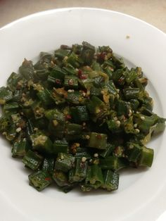 Okra Curry Pakistani Recipe - Tasty Dinner Recipes Healthy Family Dinners, Healthy Meals To Cook, Healthy Cooking, Healthy Recipes, Delicious Dinner Recipes, Recipe Tasty, Yummy Food, Okra Curry, How To Boil Rice