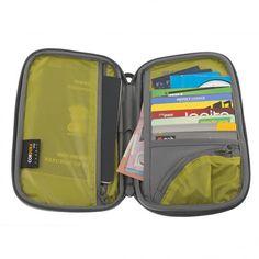 Travel Wallet -200.00kr - Resa LättRoslagsbutiken™ |Finns i 3 olika storlekar i flera färger. www.webshop.resgladh.se