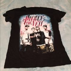 Pierce the veil t shirt It's never been worn Hot Topic Tops Tees - Short Sleeve