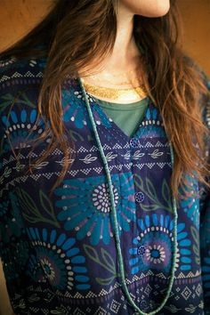 Blue patterns and gold shades. From the grandmother Singa collection.