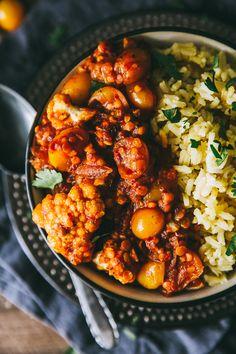 Lentil, Cauliflower & Harissa Bowl With Cilantro Basmati Rice – The Blonde Chef