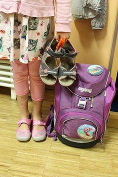 3 Kinder – 3 Neuanfänge Gymnasium, Kind Mode, Golf Bags, Primary School Teacher, Challenges, Primary School, Life, Kids