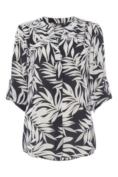 This loose fitting blouse in a striking print is a great way to kick start your Spring wardrobe. Featuring roll tab sleeves and a concealed button down placket, wear yours with jeans or jeggings to complete your look.