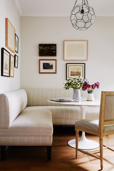In Good Taste: Read McKendree Photography - Design Chic Design Chic Home Design, Interior Design, Diy Home, Home Decor, Tulip Table, Living Spaces, Living Room, Corner Sofa, Home Staging