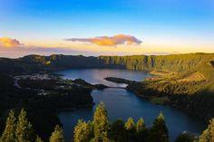 Die portugiesische Inselgruppe ist ein echter Geheimtipp. Wenig Touristen und trotzdem so viel zu sehen. Hier erfährst du die 19 Top Highlights der Azoren.
