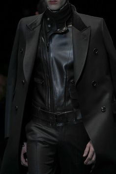 Fall 2013 Menswear :: Gucci | Post-apocalyptic & Dystopian Avant-Garde Fashion | #fashion #clothing #leather #suit #leathersuit #belt #zipper