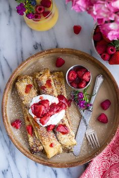 Lemon Ricotta Cheese Stuffed French Toast Crepes with Vanilla Stewed Strawberries. Crepes made french toast style! Brunch Recipes, Breakfast Recipes, Dessert Recipes, Crepe Recipes, Tasty, Yummy Food, Yummy Treats, Breakfast Desayunos, Half Baked Harvest