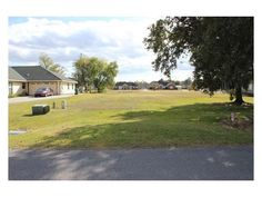 Build your dream home on this great 100 x 200 lot that features a beautiful, mature Oak tree. Only 15 minutes from I-310 and shopping.