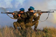 Фоторепортаж: девушки курсанты-десантники