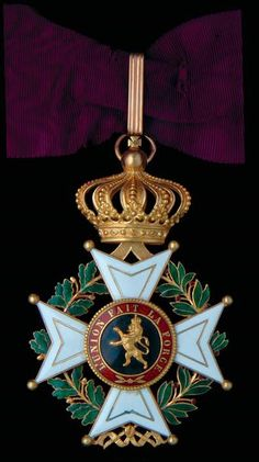 Order of Leopold (civil), Commander's neck badge, (including crown suspension) x Custom Stuff, Grand Cross, Collar Chain, Hanging Light Fixtures, Maltese Cross, Arts Award, Military Uniforms, Coat Of Arms, Spoons
