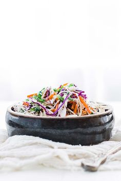 Vinegar Based Coleslaw Recipe - this delicious coleslaw is loaded with green cabbage, red cabbage, carrots and green onions in a tasty sweet cider vinaigrette. Vinegar Based Coleslaw Recipe, Best Coleslaw Recipe, Vinegar Coleslaw, Healthy Coleslaw, Healthy Salads, Veggie Dishes, Side Dishes, Low Carb Recipes, Cooking Recipes