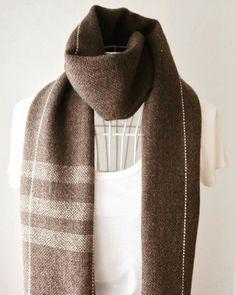 """ユニセックス: 手織りマフラー """"Brown 2"""" シンプルで使いやすいかと http://ift.tt/2dJlfCF Simple unisex handwoven scarf. #minne #creema #pinkoi #iichi #handwoven #handwovenscarf #fashionitem #brownscarf #手織りマフラー #男性にもおすすめの手織りマフラー #世界にひとつ #onlyone #mensfashion"""