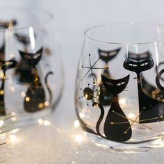 Wine Pairing – Choosing the Right Wine for Your Food – Drinks Paradise Black Wine Glasses, Stemless Wine Glasses, Painted Wine Glasses, Wine Glass Crafts, Wine Glass Set, Wood Wine Racks, Beer Mugs, Custom Tumblers, Wine Gifts