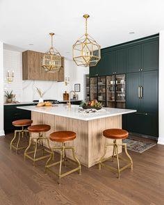 New Kitchen, Kitchen Interior, Kitchen Decor, Interior Modern, Dark Cabinet Kitchen, Kitchen With Wood Cabinets, Colorful Kitchen Cabinets, House Interior Design, Earthy Kitchen