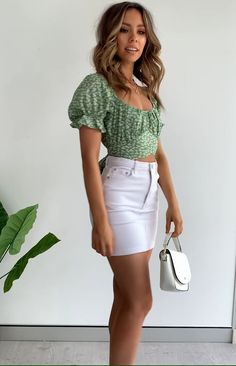 Heritage Wrap Top Green Print - You are in the right place about outfits gorditas Here we offer you the most beautiful pictures ab - Cute Summer Outfits, Girly Outfits, Cute Casual Outfits, Stylish Outfits, Spring Outfits, Casual Summer, Summer Clothes, White Outfit Casual, Party Outfit For Teen Girls